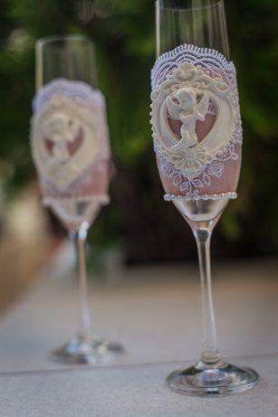 Свадебные аксессуары, бокалы, декор шампанского, казна, семейный очаг