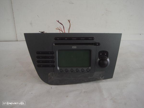 Auto-Radio Seat Leon (1P1)