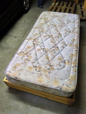2 camas de solteiro + cabeceiras