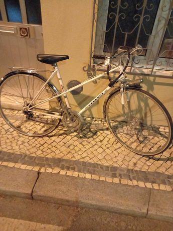 Uma grande promoção da Casa do mestre Oleh - bicicletas a venda