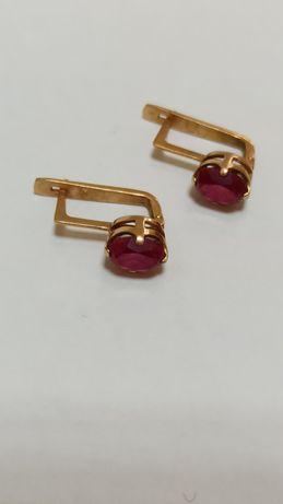 Серёжки з рубином