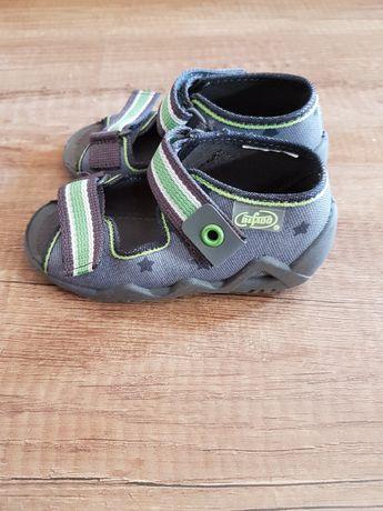 Sandały chłopięce-kapcie