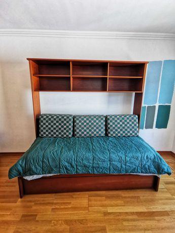 Cama individual (Dupla, com gaveta e colchão extra)
