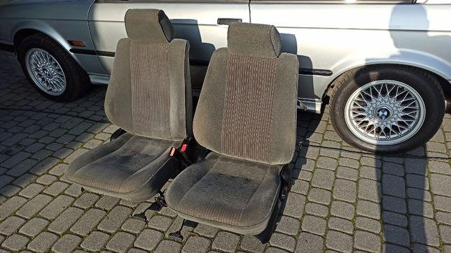 Sidzenia / Fotele BMW E30 Coupe Przód / Stand IDEALNY