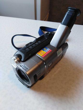 Kamera Sony CCD-TR617E Video 8 XR produkcji Japońskiej.