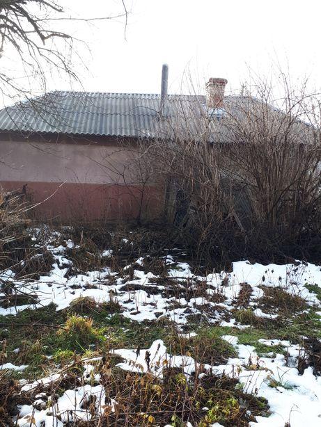 Продам будинок с.Ченіїв,площа-50 м.кв.,газ,100 м.до зупинки маршрутки
