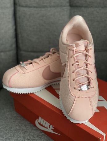 Nowe buty Nike Cortez w pudelku
