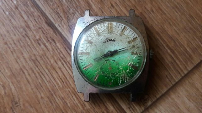 Старые часы. Зим. Омакс.