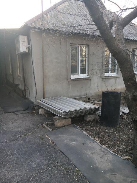 Продается дом в п.Комсомольский Свердловского района Луганской обл