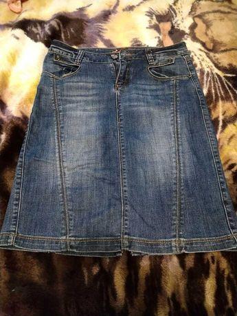 Юбка джинсовая прямая.