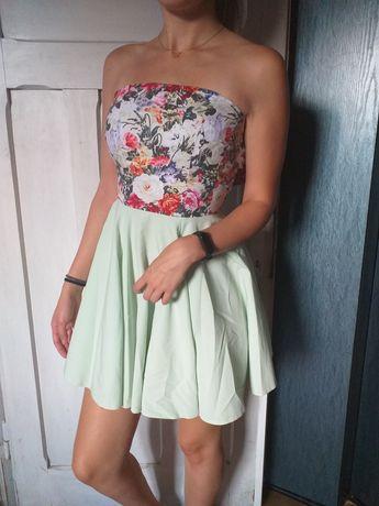 Sukienki S i M .