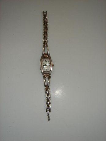 """Продам часы женские """"Спутник"""". Кварцевые."""
