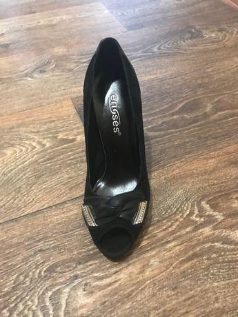 Женские туфли Erisses 33 размера