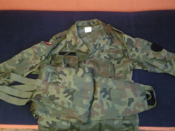 mundur polowy wz. 93 rozmiar 98/175/90 i dodatki