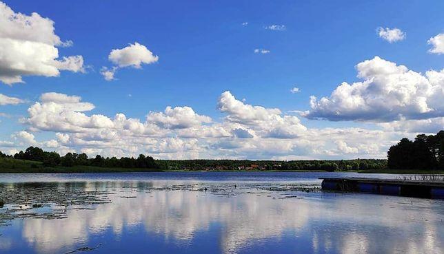 Między Olchami domek nad jeziorem