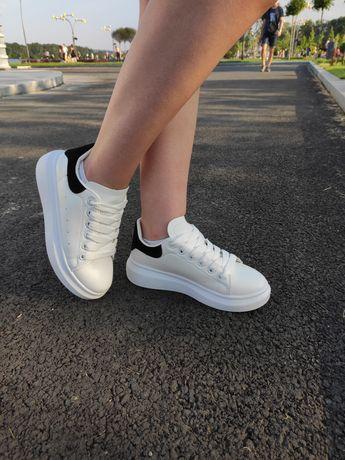 кроссовки alexander mcqueen  Маквины, белые мокасины