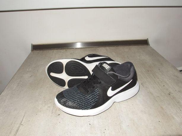NIKE REVOLUTION 4 chłopięce buty sportowe PÓŁBUTY RZEPY 33 / 34 22 cm