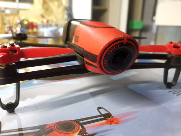 Dron Parrot bebop + skaycontroler.
