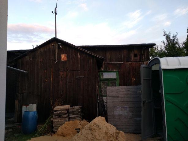 Drewniany dom do rozbiórki