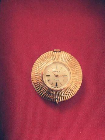 Часы-кулон