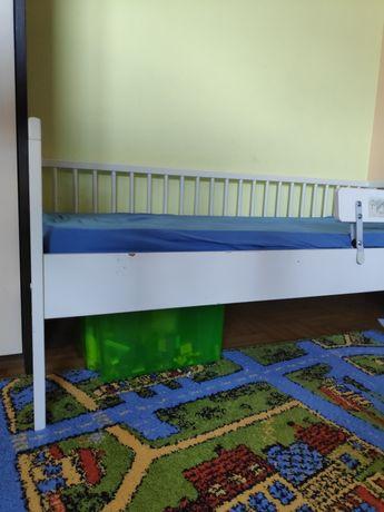 Łóżko drewniane IKEA Guliver wraz z materacem