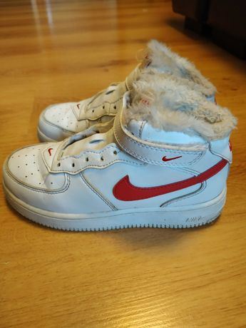 Детские зимние кроссовки Nike