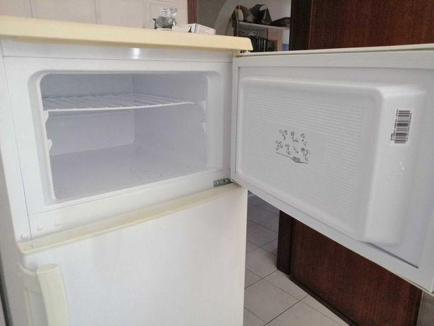 Frigorífico com congelador Teka