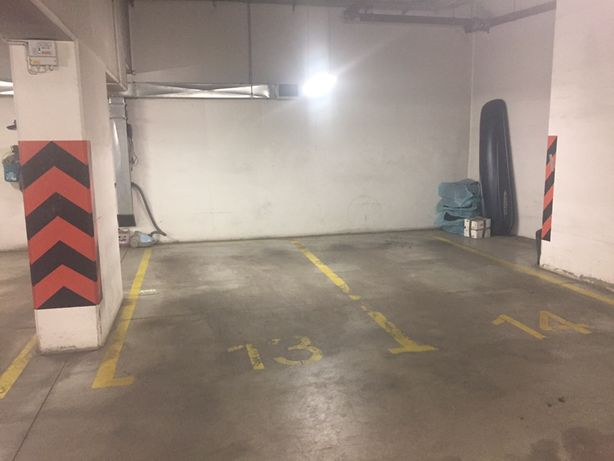 Garaż w apartamentowcu Czerniowiecka 9 na Mokotowie