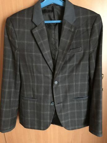 Пиджак на мальчика 12-13 лет (разм. 40)
