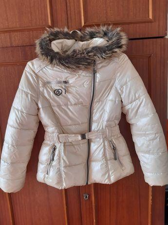 Демисезонная куртка для девочек.