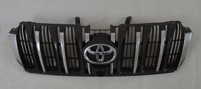 Решетка радиатора ПОД КАМЕРУ Toyota LC Prado 150 2009 - 2013 г