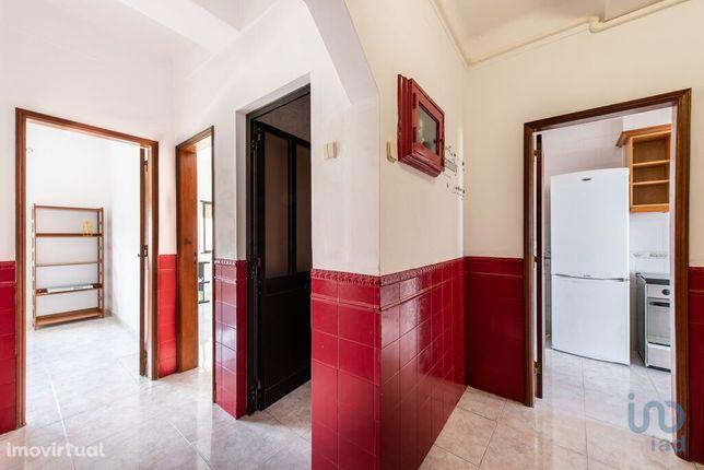 Apartamento - 78 m² - T3