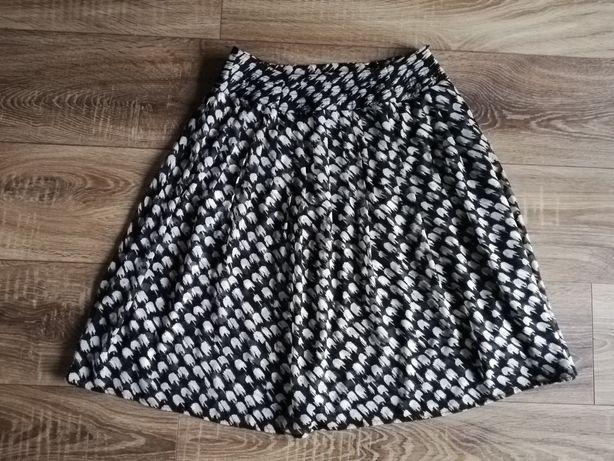 Wzorzysta spódnica