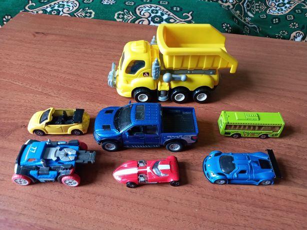 Моделі авто, машинки
