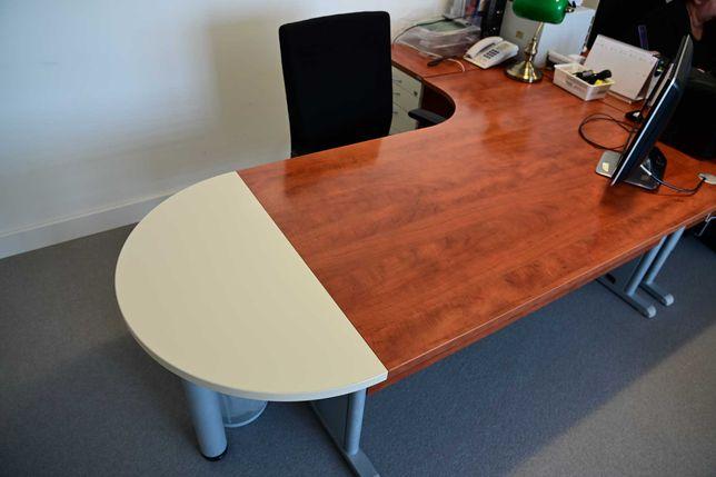 Komplet mebli biurowych - biurko, kontenerek, szafy
