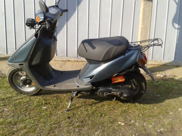 Продам скутер Yamaha 50cc.