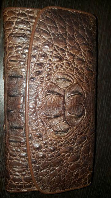 Кошелек с кожи крокодила