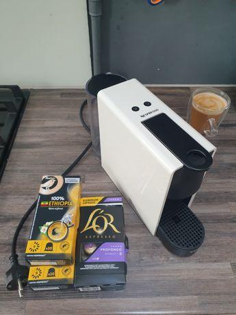 Nespresso Krups ekspres kapsułkowy + kawy