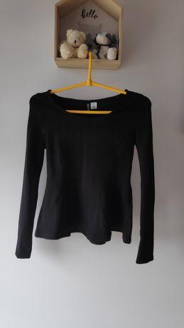 Czarna bluzka z baskinką. Długi rękaw. S