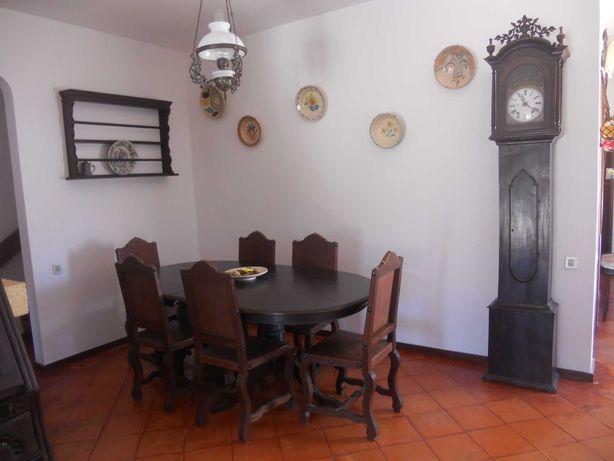 Mesa de jantar e 6 cadeiras