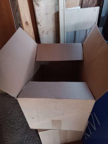 Коробки картонные.