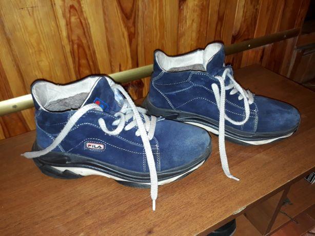 продам подростковую обувь, зимние кроссовки