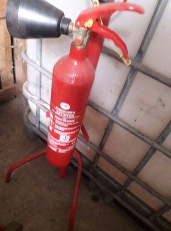 Suporte para extintor + extintor CO2