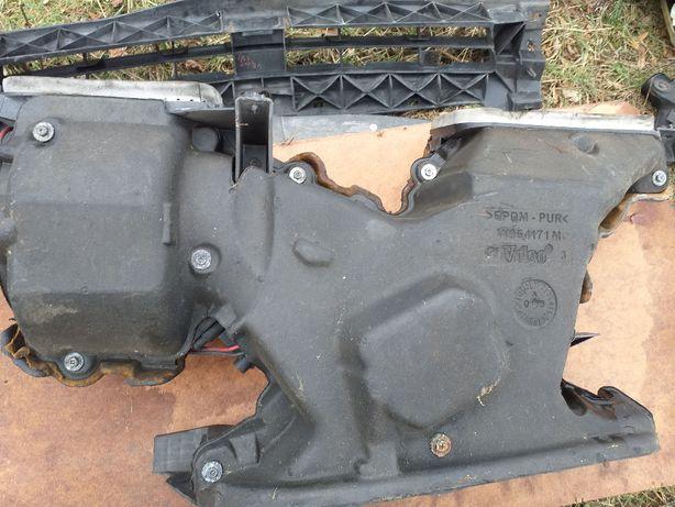 Trafic Vivaro nagrzewnica nawiew wentylator