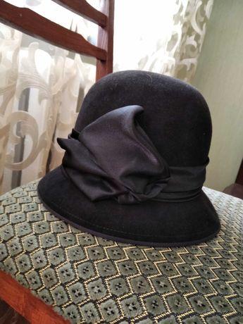 Фетровая женская шляпка.