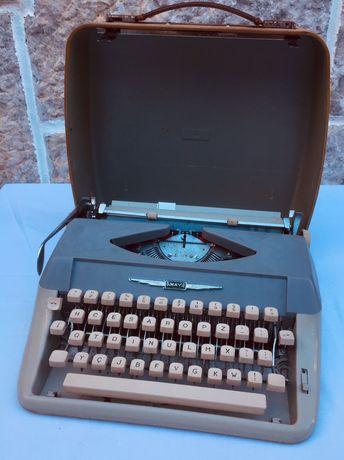 Lote de 3 máquinas de escrever antigas, vintage. Todas com sua mala