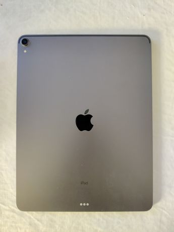 Vendo iPad Pro 256 GB 2018 12.9'' 3ª geração + Capa Folio