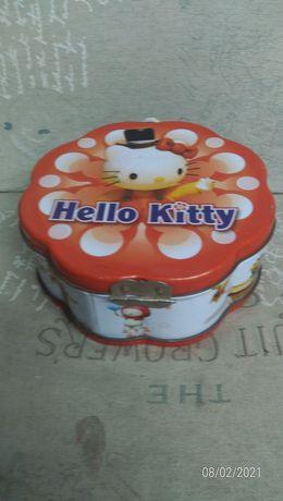 Caixa bello Kitty com 2 DVDs