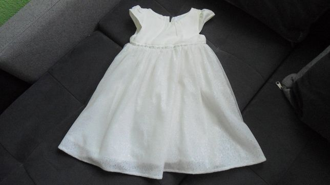 sprzedam piękną sukienkę dla dziewczynki ecru
