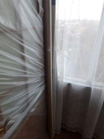 Дверь с стеклянными вставками